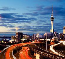 Auckland by night by Sara Elin Nilsson