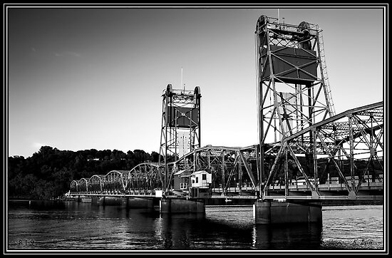 Lift Bridge by KBritt