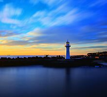 The Wollongong Breakwater Lighthouse  by Arfan Habib