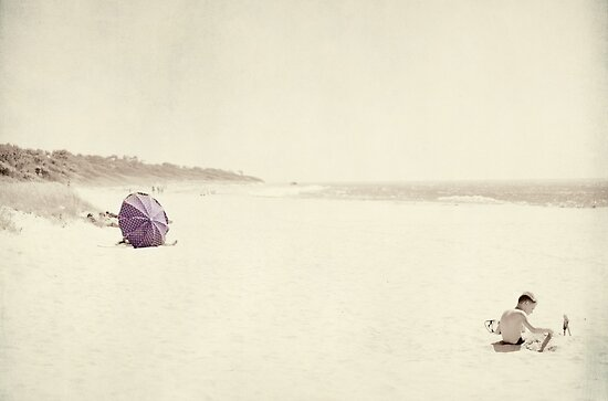 a day at the seaside by Ingz