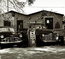 Old cars on Route 66 by RicardMN