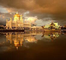 Royal Mosque in Brunei by reisefoto