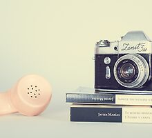 Creamy Pastel Design Inspiration:Vintage Camera and Retro Telephone