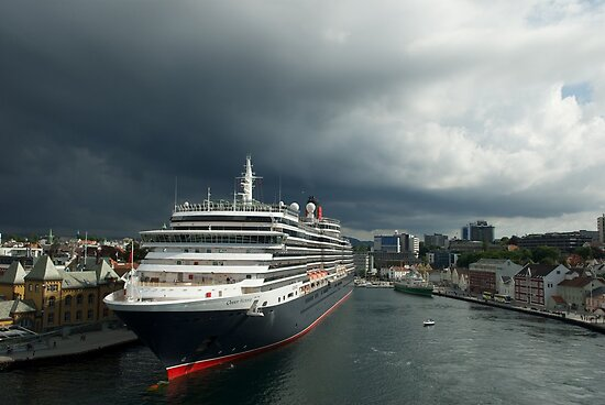 Queen Victoria, Stavanger, Norway. by Andy Kilmartin