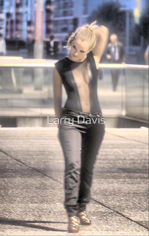 The Woman at La Defense. by Larry Lingard-Davis