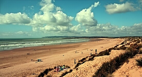 Camber Sands by Anthony  Poynton