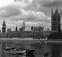 BW UK England London The houses of parliament 1970s by blackwhitephoto