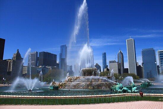 Buckingham Fountain, Chicago by Adam Kuehl