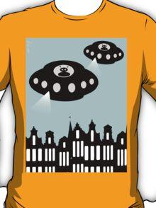 Aliens invading Amsterdam T-Shirt