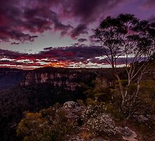 Sunset at Echo Point - Blue Mountains  by KeithMcInnes