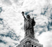 Statue of Liberty by luciaferrer