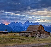 Last rays of sunlight at Grand Teton National Park by Matt Suess