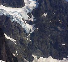 glacial flow on mt shuksan, washington, usa by dedmanshootn