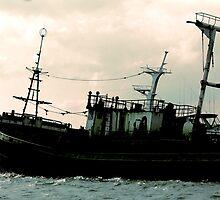 Sunken Ship by oftheessence