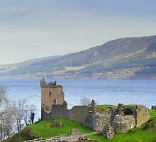 Urquhart Castle by fraser68
