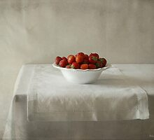 Strawberries by Ellen van Deelen