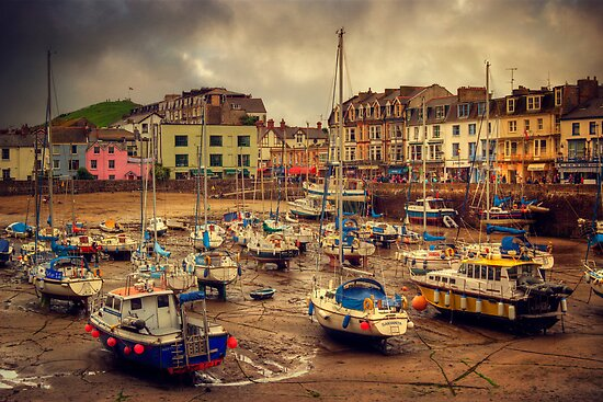 Ilfracombe Harbour by ajgosling