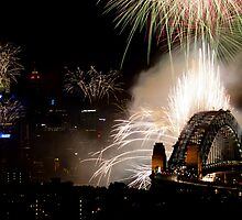 Spectacular fireworks display over Sydney Harbour Bridge, Australia by Sharpeyeimages
