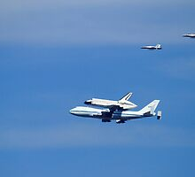 Shuttle Endeavour Piggy Back Flight Home by DARRIN ALDRIDGE