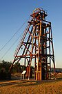 Mining headframe at Cobar by Darren Stones