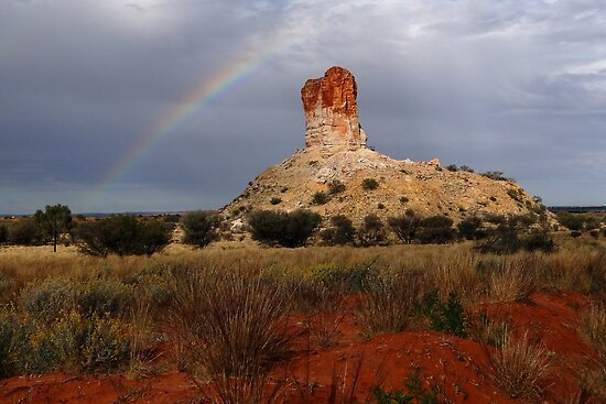 Rainbow at Chamber's Pillar by Reddirt