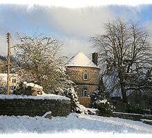 Snow in Chalford by Jeff  Wilson