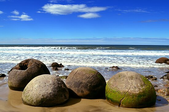 Moeraki Boulders in New Zealand by Bami