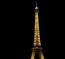 Eiffeltower at 1 a.m. by Benjamin Othman Hultengren