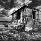Old fishing hut dungeness by Dean Bedding