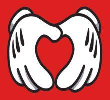 Mickey Hands - Heart by Jumanator