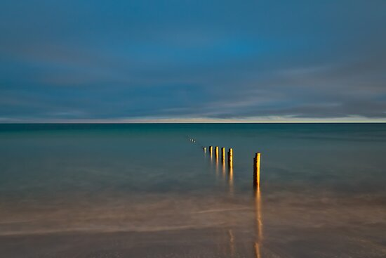 Vanishing Posts by fotosic