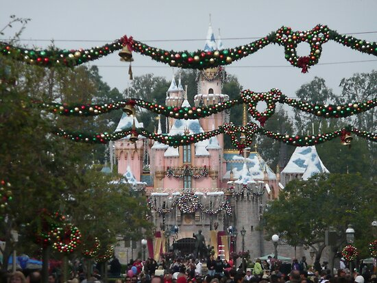 Day After Christmas At Disneyland by swiftjennifer