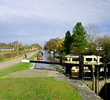 Fradley Middle Lock No. 18  by Rod Johnson