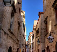 An Alley in Dubrovnik by Tom Gomez