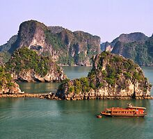 Halong Bay by Ian Fegent