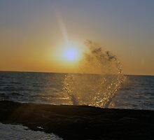Sunrise Water Spash  by Tina Hailey