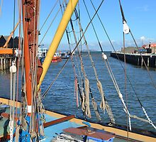Traditiona sea barge in whitstable Harbour by Garth Bayley