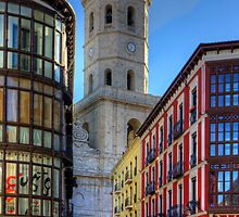 First sight of Valladolid Cathedral by Tom Gomez