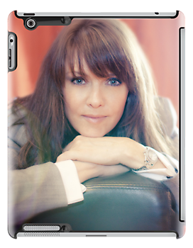Amanda Tapping vs iPad by Filmart (AT-Vers V)  by Filmart