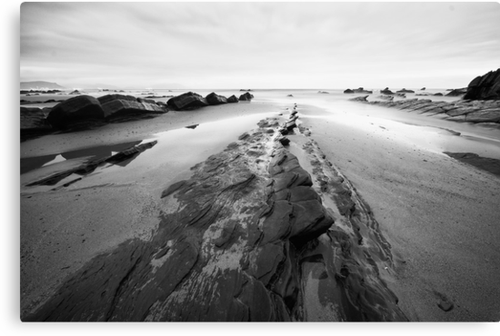 Black and White Seascape by Unai Ileaña