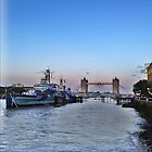 Sun Set on the thames by liberthine01