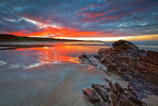 Middleton Beach by Darryl Leach