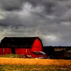 Red barn by carlosramos