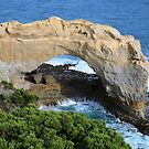 The Arch, Great Ocean Road by kcy011