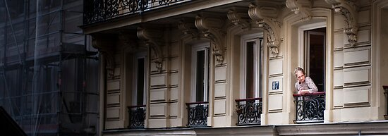 No 87, Montmartre, Paris, France by yellowfield