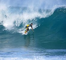 Miguel Pupo at Pipe Masters by kevin smith  skystudiohawaii
