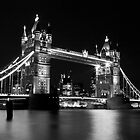 Tower Bridge mono by yampy
