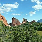 Garden of the Gods, Colorado, USA by Margaret  Hyde