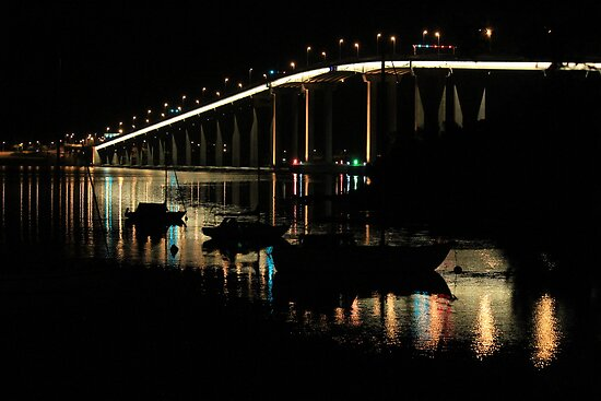 night reflections by Hobart bridge (Tasmania) by gaylene