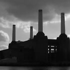 Battersea Power station, London by Karen Hood